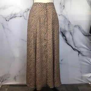 🦋NYGARD🦋 vintage animal print maxi skirt